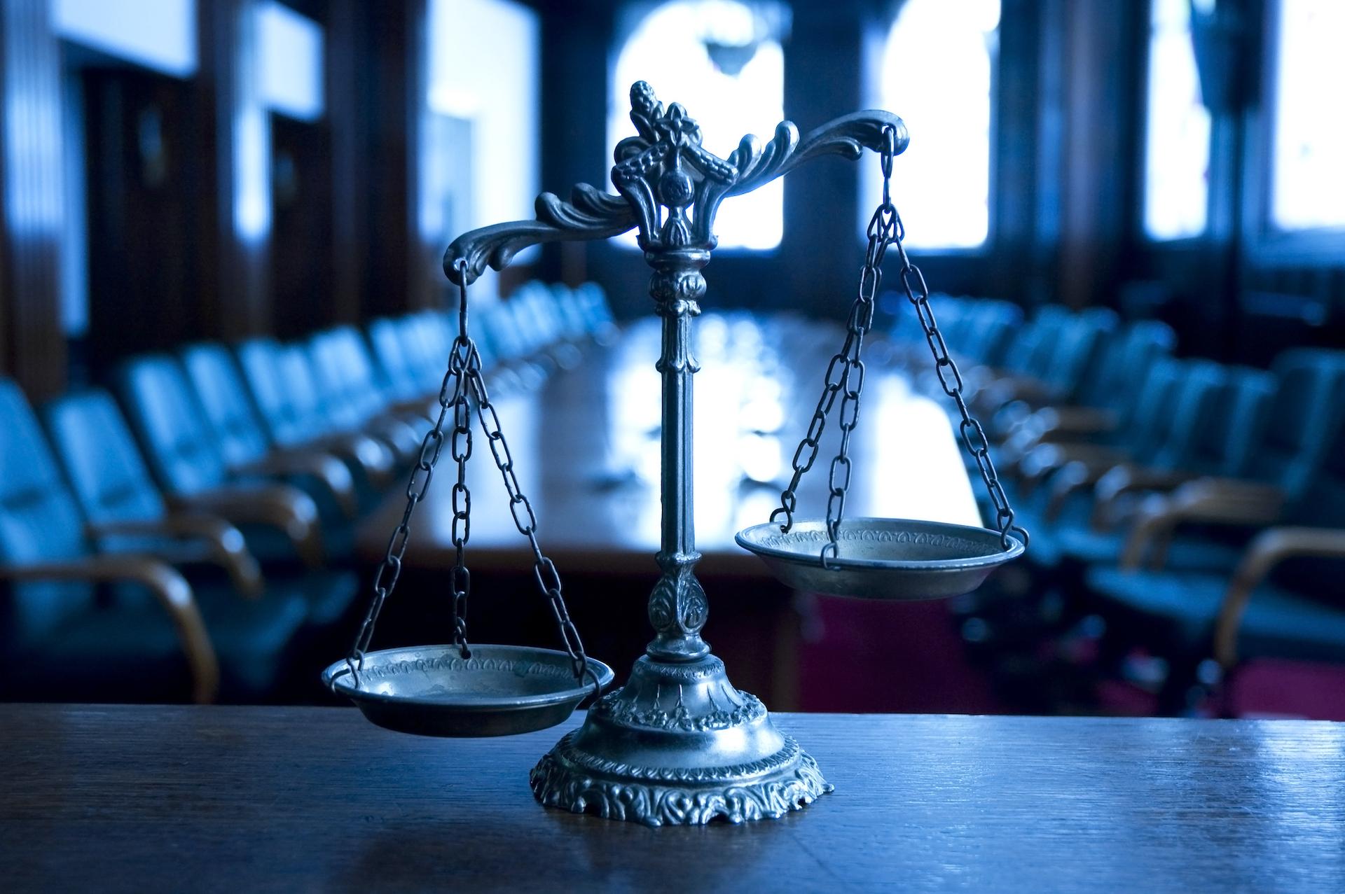 Keď súdy nechránia, ale ohrozujú (komentár)
